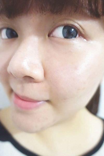 BEVY C. 光透幻白妝前保濕精華.淨白粉底液