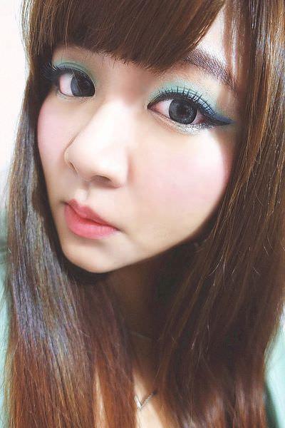 STARSUKI 放肆眼眸三色眼彩盤.一筆勾引雙效眼彩筆.口拭心緋雙效唇頰筆